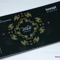 Druk CMYK oraz kolorem białym na czarnym papierze barwionym w masie Skin Black 270 g/m2.