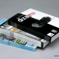 Zdjęcie prezentuje 3 rodzaje katalogów klejonych w formacie A4.