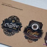 Przykład zadruku na brązowym papierze żeberkowanym 100 g/m2 (papier pakowy).