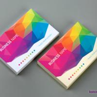 Przykłady wydruków wizytówek na perłowym papierze ozdobnym Polar Dawn 300 g oraz srebrnym papierze Platinum 300 g.