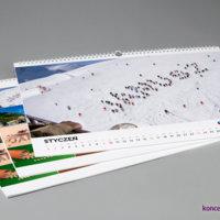 Kalendarze ścienne w formacie A3+ zawierają duże kolorowe grafiki z imieniem konkretnej osoby.
