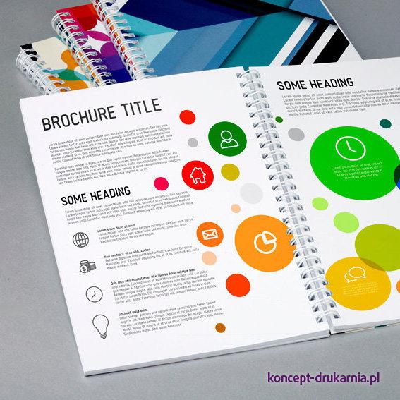 Praktyczne broszury w oprawie spiralowanej, środki drukowane w kolorystyce CMYK na kredzie matowej 170 g/m2.