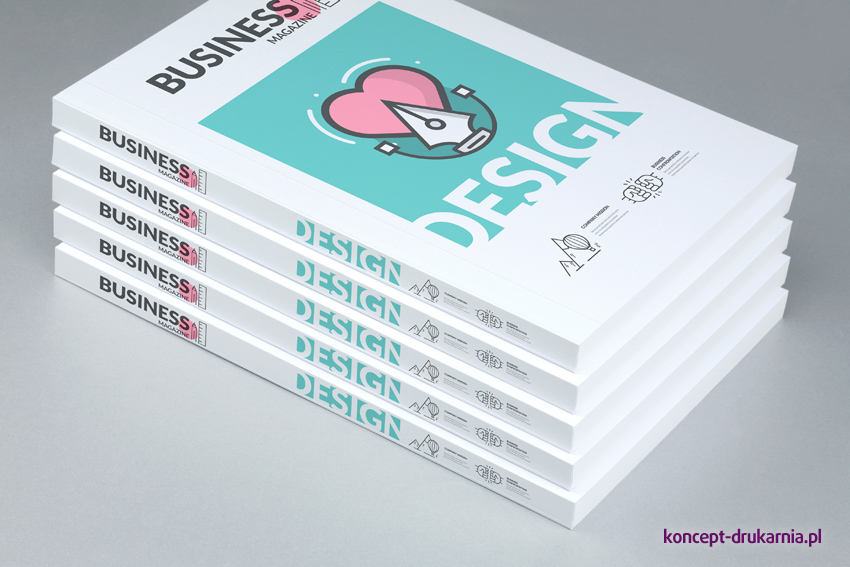 Katalogi klejone po długim boku, wydrukowane w formacie A6.