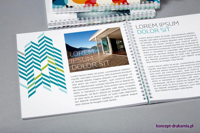 Środek broszury spiralowanej wydrukowany na kredzie matowej 170 g/m2.