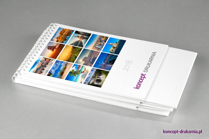 Karty kalendarza TALL delux wydrukowane na papierze kredowym.