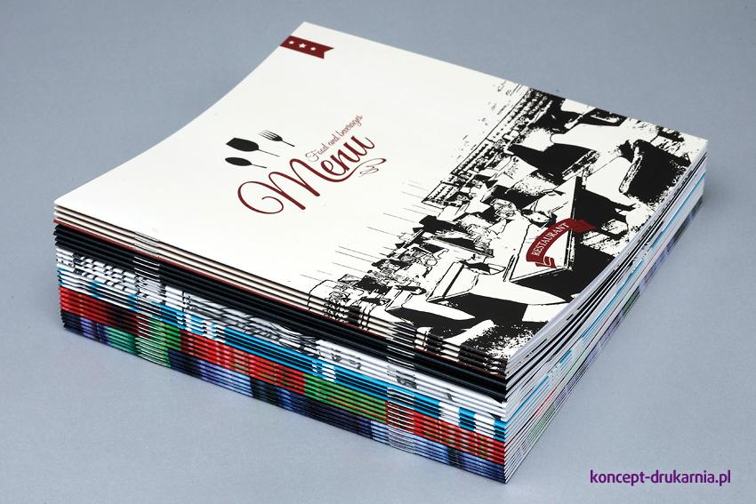 Kwadratowe broszury są dobrym narzędziem do prezentacji produktów firmy.