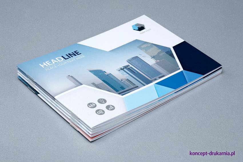 Broszury szyte drukowane w kolorystyce CMYK.