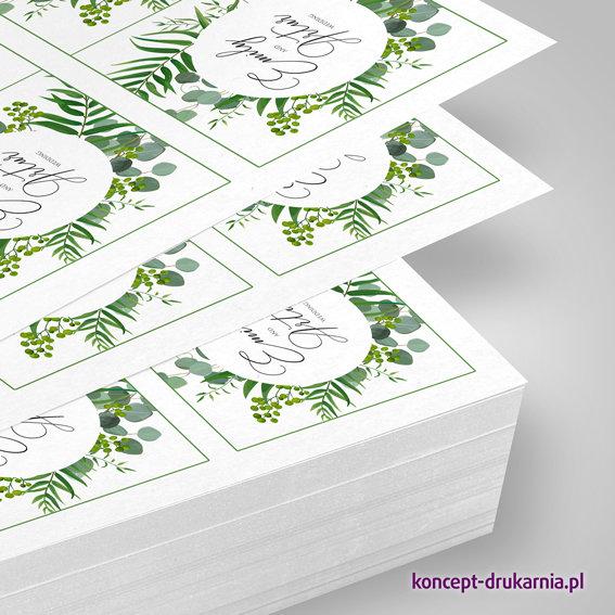 Wydruki plano na ekologicznym papierze offsetowym 350 g/m2 marki Cocoon.