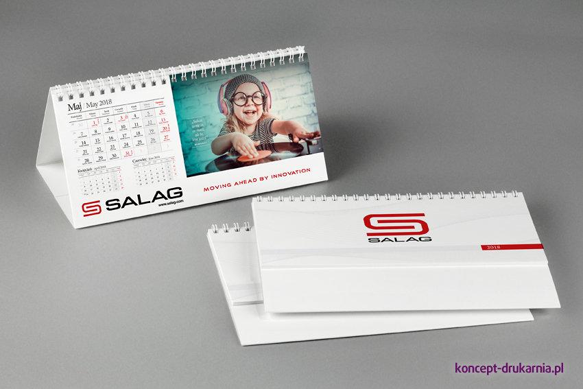 Praktyczny kalendarz biurkowy z logo firmy, możesz podarować swoim klientom.