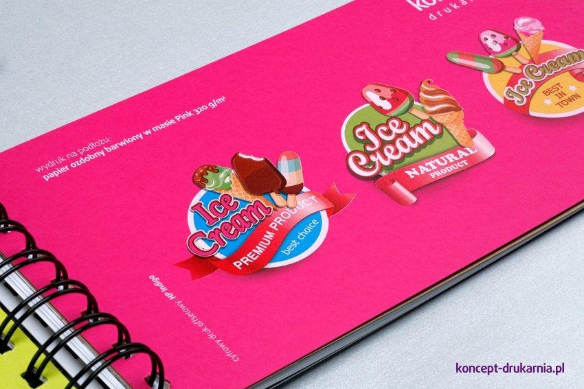 Różowy papier ozdobny barwiony w masie Cosmo Pink 320 g, zadruk CMYK + kolor biały.