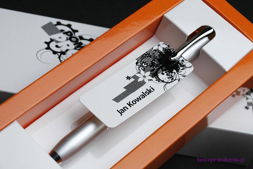Dzięki personalizacji podarowany prezent zyska na oryginalności.