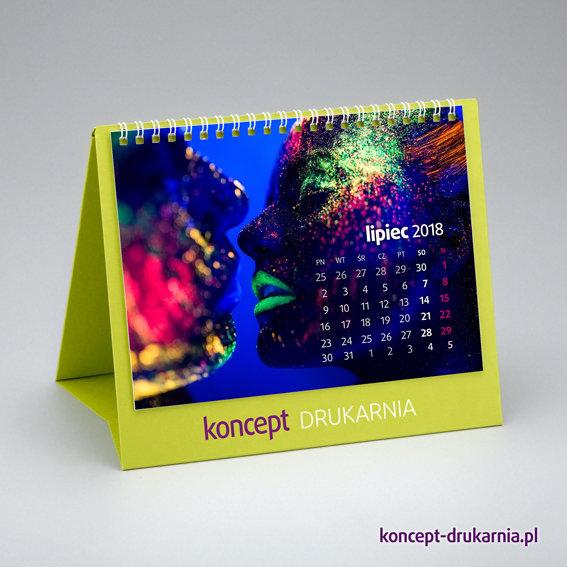 Ozdobny kalendarz CREATIVE-2 ze stojakiem wykonanym z zielonego kartonu Lime Tonic 320 g/m2.
